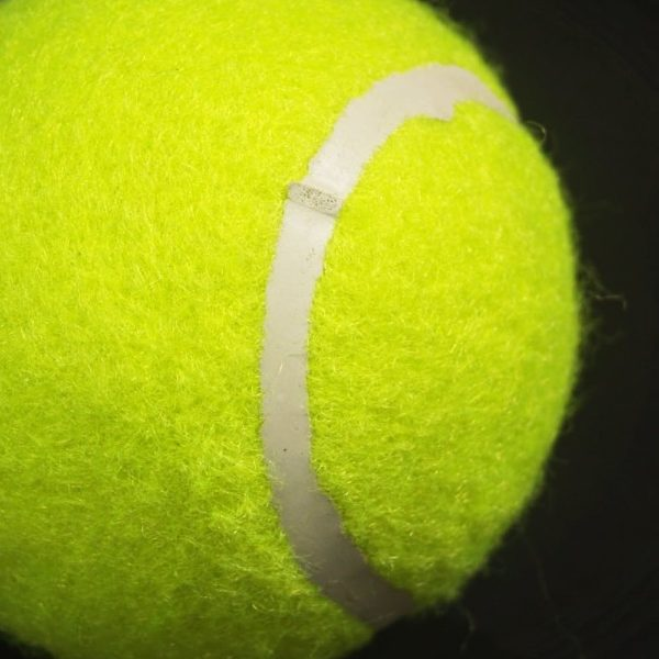 piłka do gry w tenisa